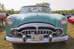 1951年Packard敞篷车正面图 免版税库存照片