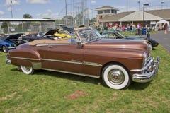 1951年Pontiac Chieftain侧视图 免版税库存照片