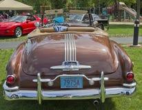 1951年Pontiac Chieftain背面图 免版税库存照片