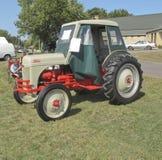 1951 het Zijaanzicht van de Tractor van Ford 8N Royalty-vrije Stock Fotografie