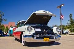 1955年Oldsmobile 88节假日 免版税库存图片