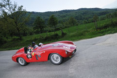 1955 un rojo Ferrari 500 Mondial Imagen de archivo