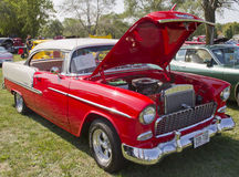 红色白色1955年Chevy Bel Air 库存照片