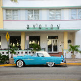 1957年Ford Thunderbird在迈阿密Beach 免版税库存图片