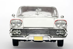 1958年汽车薛佛列汽车frontview飞羚金属缩放&#276 免版税库存照片