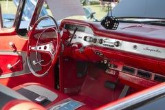 1958黑色Chevy飞羚内部 免版税库存图片