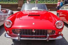 1960年Ferrari 250 GT敞蓬车系列II 库存照片