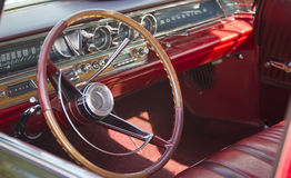1963 schwarzer Pontiac Bonneville Innenraum Lizenzfreie Stockfotos