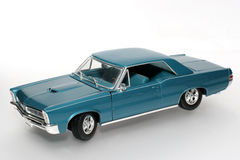 1965年汽车gto金属比德缩放比例玩具 库存照片