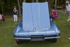 1965年Chevrolet Corvette正面图 库存照片