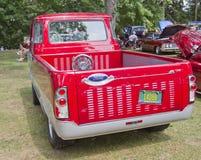 1966年福特Econoline卡车返回 免版税库存照片