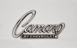 1967古色古香的camaro汽车薛佛列汽车徽标 库存图片
