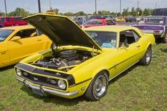 1968 Camaro amarillo Imágenes de archivo libres de regalías