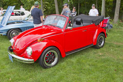 1971 Volkswagon Super Beetle Bug. COMBINED LOCKS, WI - AUGUST 18: Side view of a red 1971 Volkswagon Super Beetle classic car at the 2nd Annual Horizon of Hope Royalty Free Stock Photo