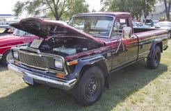1980 Jeep j-20 Vrachtwagen Stock Afbeeldingen
