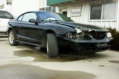 1998年眼镜蛇Ford Mustang击毁 免版税库存照片