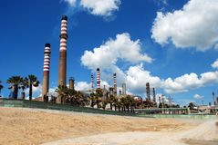 1Petrochemical raffinaderi, Andalusia, Spanien. Royaltyfri Bild