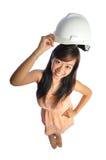 2个亚洲人甜甜地微笑工程师的女性 免版税库存图片