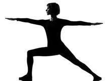 2个位置virabhadrasana战士女子瑜伽 免版税图库摄影
