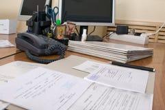2个办公室工作场所 免版税库存图片