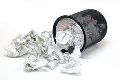 2个办公室废字纸篓 库存照片