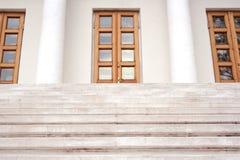 2个大理石台阶 免版税库存图片
