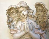 2个天使祈祷 库存图片