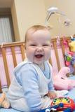 2个婴孩微笑 免版税库存照片