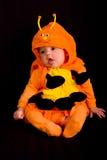 2个婴孩服装万圣节 免版税库存照片