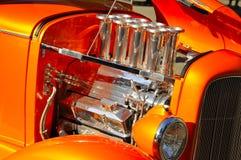 2个引擎旧车改装的高速马力汽车 图库摄影