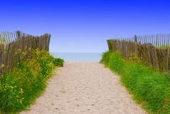 2个海滩路径 免版税库存图片