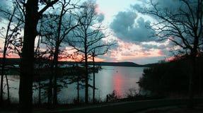 2个湖日落 库存照片