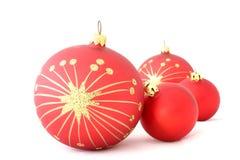 2个球圣诞节查出的红色 免版税库存图片