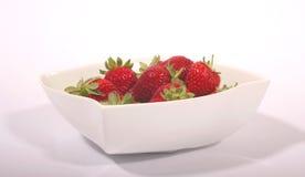 2个碗草莓 图库摄影