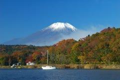 2个秋天富士挂接 免版税图库摄影