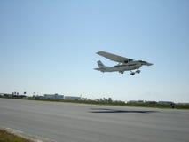 2个航空器起飞 免版税库存照片