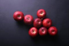 2个苹果箭头 库存图片