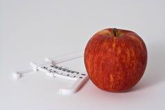 2个苹果轮尺 免版税库存照片