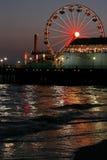 2个黄昏monica码头圣诞老人 免版税图库摄影