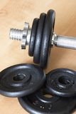 2个dumbell零件重量 库存图片