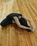 2信奉瑜伽者 图库摄影