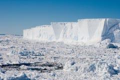 2冰山 免版税库存图片