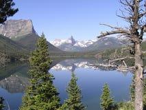 2冰川峰顶反映 免版税库存照片