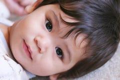 2准备好男婴的休息 免版税库存图片