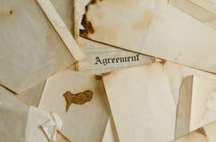 2协议烧了老 免版税库存图片
