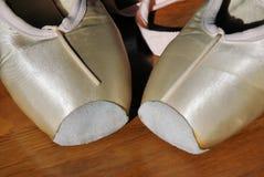 2只芭蕾舞鞋 图库摄影