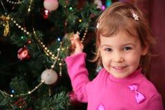 2圣诞节冷杉女孩 免版税库存图片