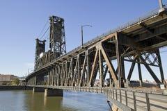 2在河钢willamette的桥梁 免版税库存照片