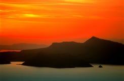 2在puno日落titicaca的湖 免版税库存图片