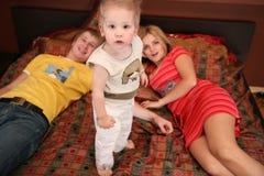 2地毯儿童父项 免版税库存图片